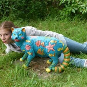 in-Russia-funny-statue-03