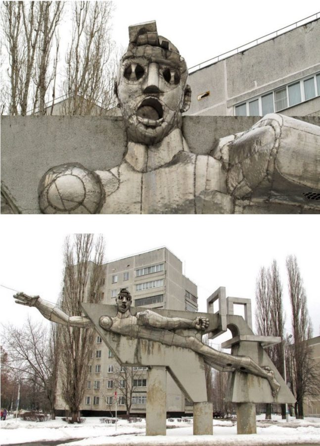 russian-statue-fun