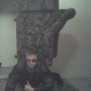 furniture-man-russian-meme-04