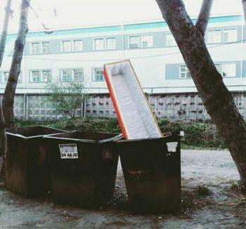 fun-in-russian-cementory